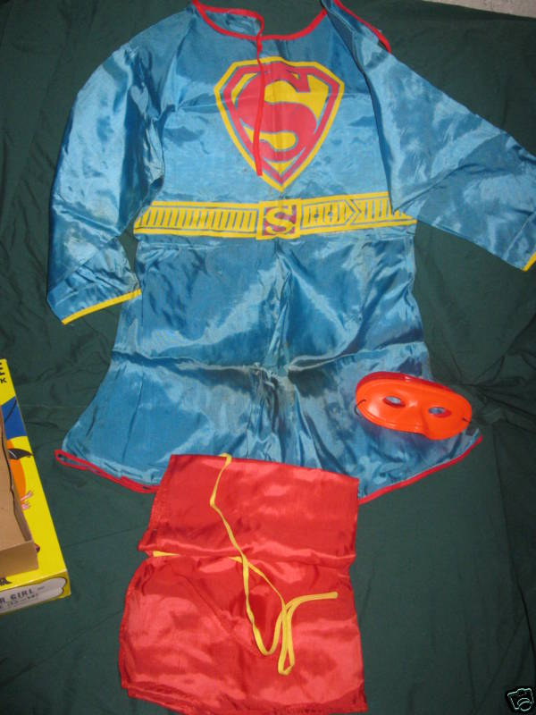 superman_66supergirlcostume2