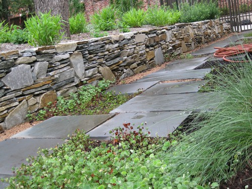 Retaining wall outdoor landscape