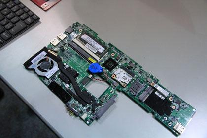 ThinkPad X100e マザーボード