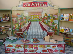 The Corner Grocer (Retro Mama69) Tags: scale metal shop corner vintage toy tin miniature store antique retro supplies grocer wolverine collectable roombox toydiorama