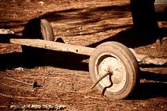 Frmula Uno - 24/365 (jlduron) Tags: wheels cart 2010 ruedas carreta elhatillo eltrigo project365 proyecto365 jlduron flickrunitedwinner flickrunitedaward