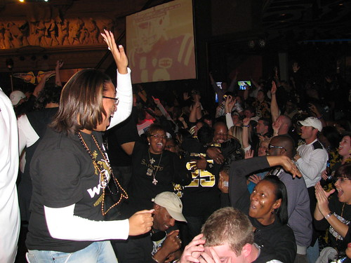 New Orleans Saints Fans High-Five Each Other