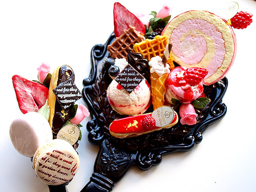 Sweets hand mirror by Dolce deco