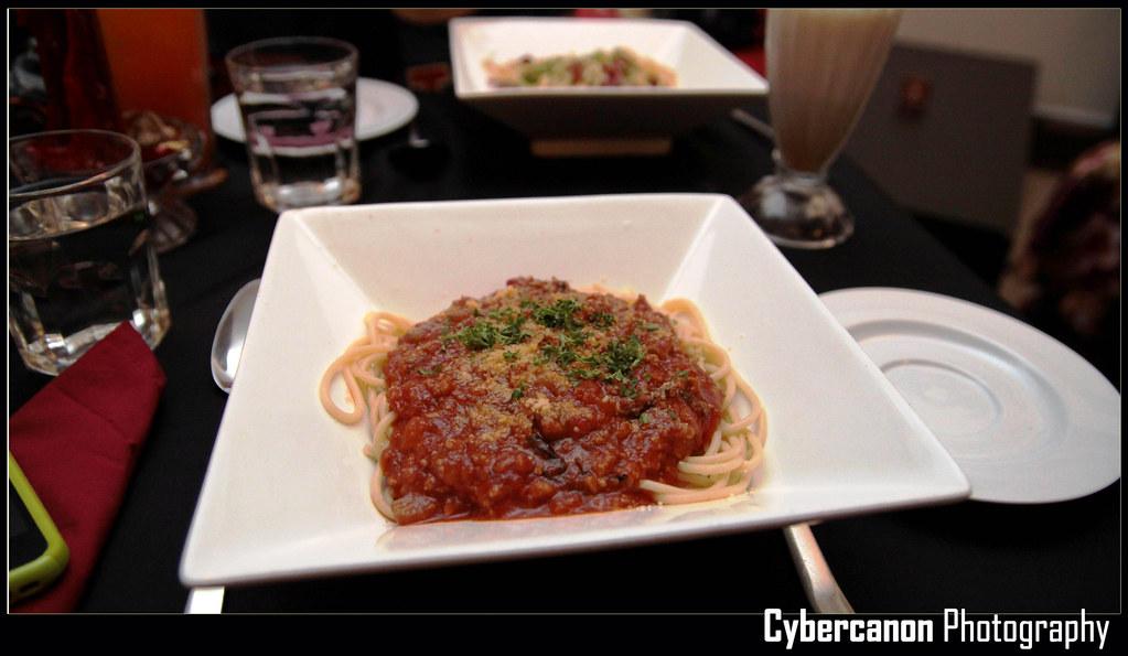 Au Lait's Spaghetti Bolognese