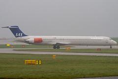LN-RMT - 53001 - Scandinavian Airlines SAS - McDonnell Douglas MD-81 (DC-9-81) - Manchester - 081126 - Steven Gray - IMG_2467