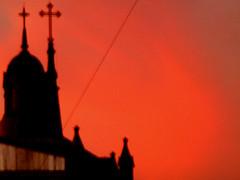 iglesia (ceciliaserpa) Tags: color luz argentina buenosaires iglesia cruz naranja caballito cpula