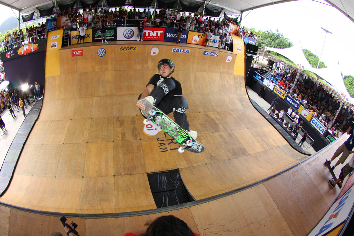 Alex Perelson - 8th Place - Frontside 540 Tailgrab