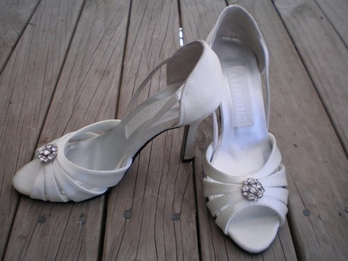 Aucheri designer bridal shoes to high heels