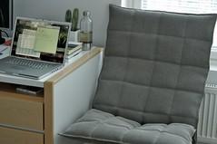 K-chair 1 (pjen) Tags: cactus home apple modern design bedroom desk osx linux birch finnish minimalism lacie snowleopard rugged koskinen aluminium koti functionalism mbp muurame finnishdesign macbookpro makuuhuone horisontti kolmonen paperyarn woodnotes kchair ktuoli