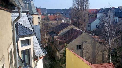 Blick aus dem Fenster in einen Hof an der Louisenstraße
