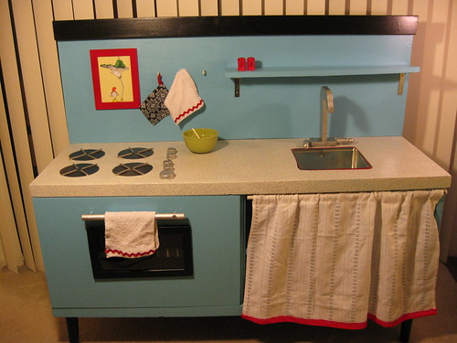 Pre-K Play Kitchen