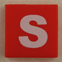 counterfeit Lego letter S (Leo Reynolds) Tags: s sss counterfeit lego letter oneletter xsquarex letterset grouponeletter canon eos 40d 0025sec f80 iso100 60mm xleol30x ebay hpexif xx2010xx