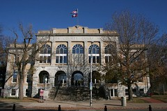the Benton County Court House (by: Dale Miller, creative commons license)