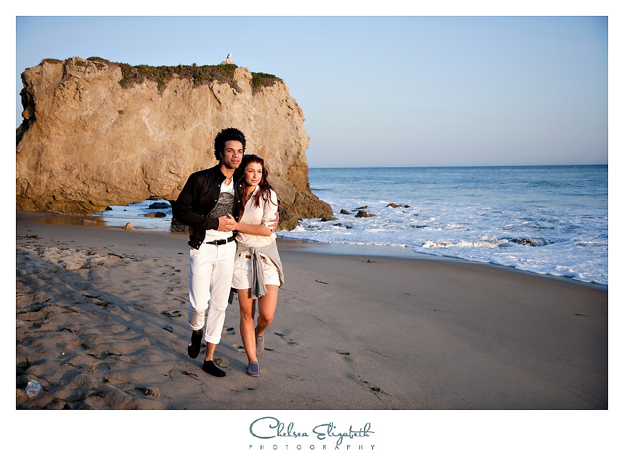 sunset romantic beach couple moment malibu california