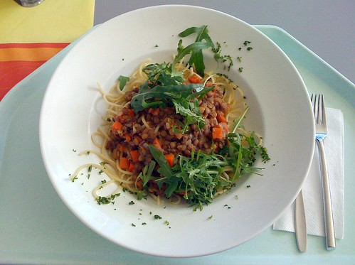 Spaghetti mit Balsamico-Linsen / Spaghetti with balsamic lentils