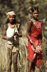Chelik & Motiari (Muria 2) (Collin Key (away)) Tags: india youth jungle ind adivasi chhattisgarh muria bastar youthhouse ghotul top20travelpix collinkey chelik gondtribes tribalpeopleofindia villagedormitory motiari kingdomoftheyoung verrierelwin