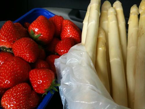 Yeah! Erdbeeren! Yeah! Spargel!