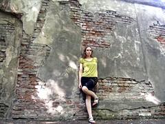 Goofy pose on one leg. (Ms Kat) Tags: park selfportrait me wall prague michelle praha vinohrady 365days mrowrr 129365