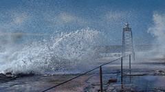 Sjsprut -|- Sea spray (erlingsi) Tags: spring waves oc 169 seaspray topaz blger roughsea erlingsi erlingsivertsen seascene tvformat kystkultur spryt sjsprut stoppedwater rffsj maritimeimpression