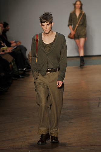 Charlie Westerberg3286_FW10_NY_Marc by Marc Jacobs(coutorture.com)