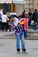 giovane fotografa (david pizzoli) Tags: torino turin fotografa piazzacastello