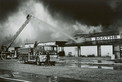 10-29-1973 Booths Corner Farmer's Market of Boothwyn, Pennsylvania -  FIRE (Timothy Wildey) Tags: 135 257 ladder25 boothscorner claymontfirecompany ladder257 talleyvilefirecompany boothscornerfarmersmarket firecompaniesnewcastlecountyde