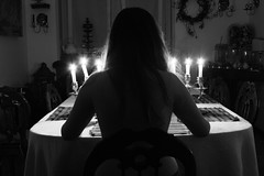 (Maieutica) Tags: light bw girl hair nude table back candles arms sala bn shoulders sedie tavolo luce ragazza schiena tavola nudo capelli candele braccia chiars spalle