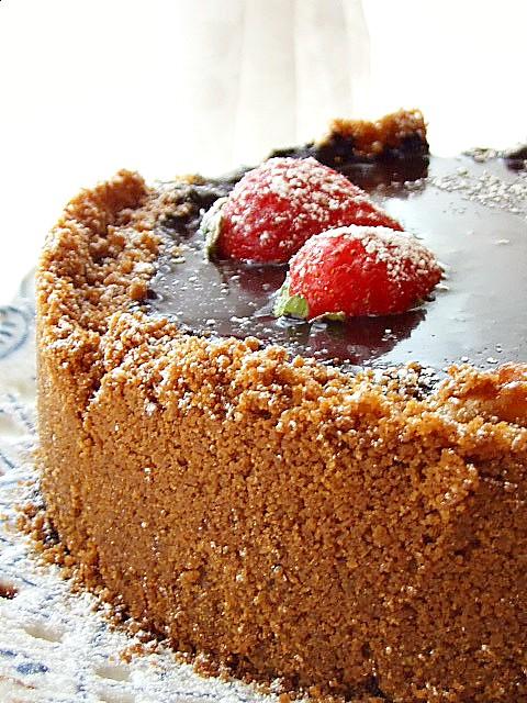 CHEESE CAKE CON SPECULOOS E GLASSA AL CIOCCOLATO