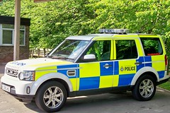 South Yorkshire Police (eurodaily3510) Tags: mercedes volvo police rover led land caravan landrover discovery berwick southyorkshire daf wideload nookie coldingham eyemouth heavyhaulage westofscotland ainscough nooteboom rayliable pilingrig discovery4 bawtryfire yj59lhl