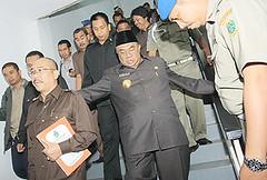 5075154883 24e121ac40 m Gubsu Batal Dijemput Paksa Syamsul: Penting Kali Rupanya?
