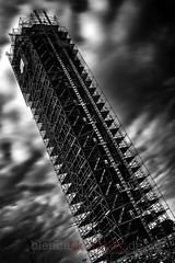 leaning tower of hannover (blende9komma6) Tags: pisa hannover germany nikon lmmer tower bw sw d7100 leaning schief turm construction zone baustelle gerüst conti langzeitbelichtung