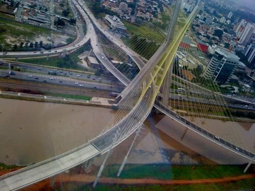 Ponte estaiada em São Paulo