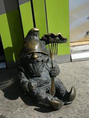Bronze Dwarf with Pierogi, Wrocław (EuCAN Community Interest Company) Tags: poland 2009 eucan milicz baryczvalley