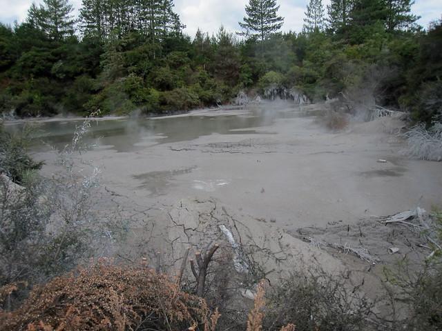 Rotorua 64 - Wai-O-Tapu - Bubbling mud by Ben Beiske