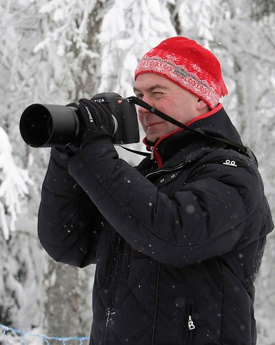 Russian President D. Medvedev with new toy  LEICA S2