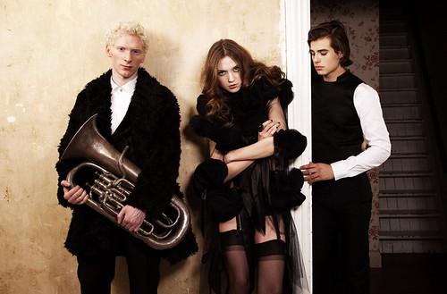 Fashion156_0002_Alex&Olivka&Matt Trethe
