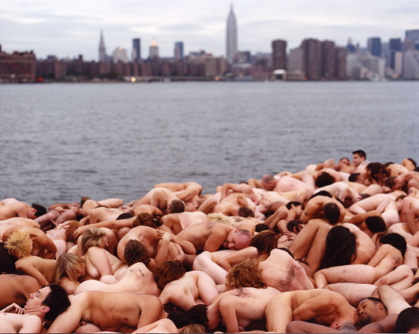Spencer-Tunick-nudes-12