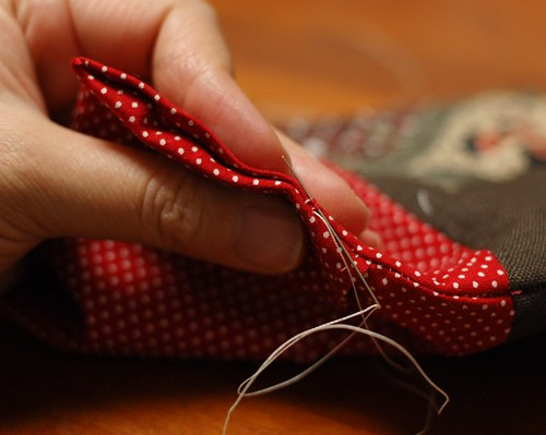 How to make a button pouch with two pockets 17