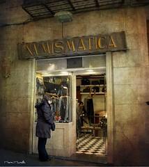 Aprovechamiento (marmimuralla) Tags: barcelona bcn tienda diversos barrigtic numismtica marmimuralla