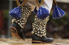 Botas de kúrpite (gonzaloh) Tags: méxico d50 mexico nikon fiesta boots nikond50 celebration mexique mich festivity michoacán tradition fête mx bottes botas mexiko tradición messico celebración meksiko メキシコ meksyk mexikó المكسيك мексика μεξικό sanjuannuevoparangaricutiro kúrpite