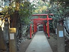法明寺脇の神社