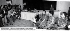 Đại tá Nguyễn Văn Thọ lữ đoàn trưởng LĐ3 ND và các sĩ quan bị bắt tại Hạ Lào đang được đưa ra trình diện trước báo chí - 1972 (manhhai) Tags: lamson719 đạitáthọ lữđoàn3nd nguyễnvănthọ colonelnguyenvantho cchl31 đồi31 pbnd