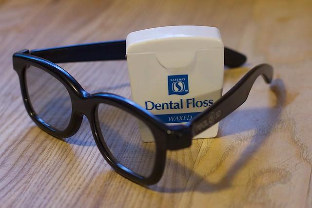 Flossing in 3D