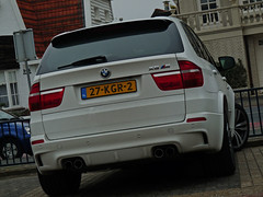 BMW X5 M (WillemDahrs) Tags: terrain white holland netherlands nice power jeep parking engine nederland fast m panasonic turbo bmw motor hotels van pk huis suv wit m5 v8 dmc beautifull willem oranje parkeerplaats noordwijk x5 550 ter duin 2x mpower x6 acceleration fz28 warmondcrew dahrs