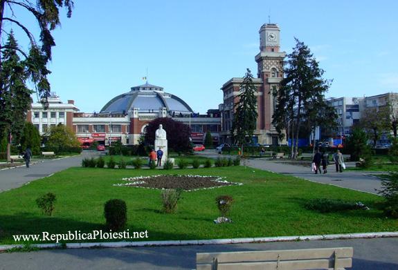 Actualul parc din fata Halelor