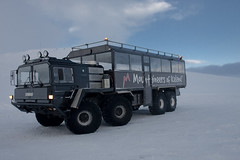 The Mountaineers MAN 8X8 Truck (Haukur H.) Tags: snow storm man weather truck iceland crazy wind military extreme bad super system glacier german patriot shitty snowmobile sland missle mobility rocketlauncher sx sleet mountaineers langjokull langjkull 8x8 largewheel 8by8 extrememobilitytrucksystem