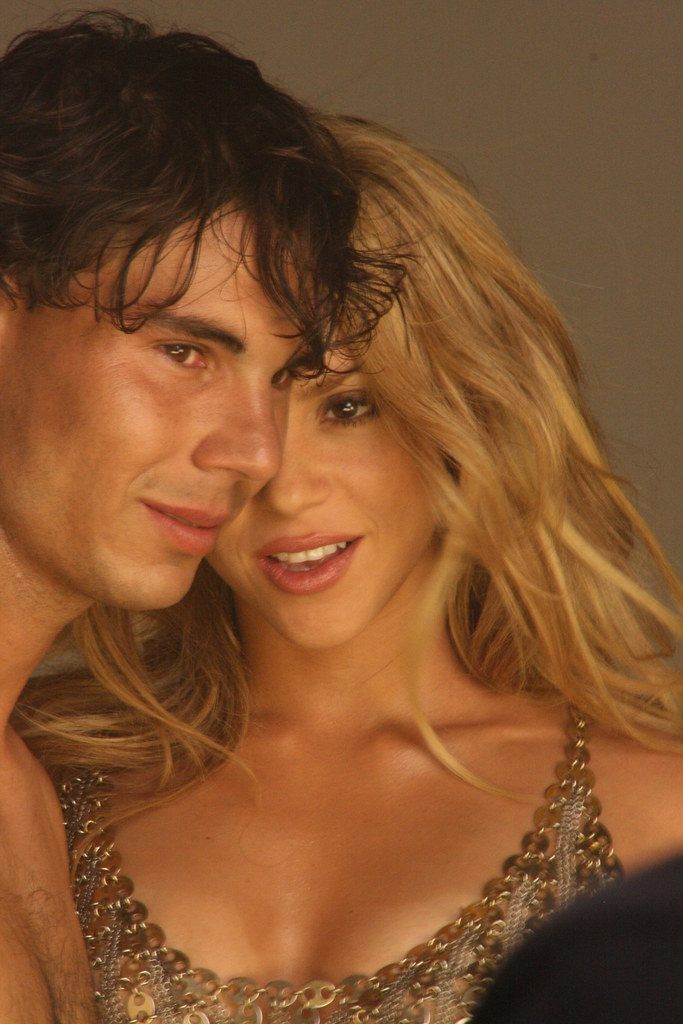 Шакира танцеут стриптиз