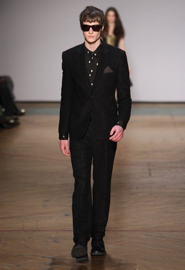 Matthew Hitt3187_FW10_NY_Marc by Marc Jacobs(WWD)