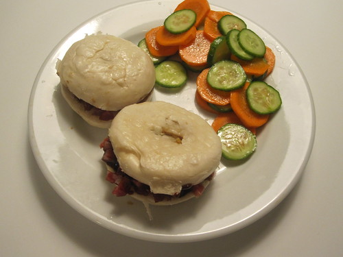 Buns with chinese sausage and quick pickles