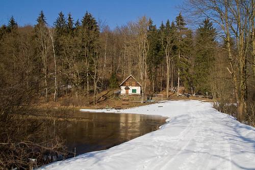 Haus an der Helbe - Hochwasser im Helbetal bei Holzthaleben